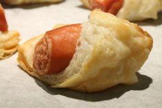 Mini hotdog Mini Hot Dogs, Minion, Hot Dog Buns, Sausage, Bread, Food, Sausages, Brot, Essen