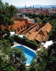Castle Hotel Schlossberg (castle hill) in Styria's capital city of Graz Places Ive Been, Places To Go, Graz Austria, Hotels, Italy Tours, Luxury Accommodation, Central Europe, Capital City, Mansions