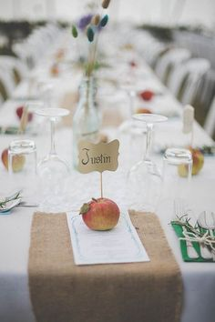 Planning a fall wedding? From elegant table decor to bride and groom to your floral design, these 18 fall wedding ideas will have you falling in love!