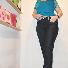Dunkelblau Suits, Fashion, Dark Blue, Darkness, Thoughts, Kleding, Moda, Fashion Styles, Suit