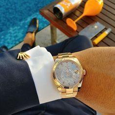 Beautiful Rolex Sky-Dweller available in our website! Link in bio! 305-377-3335 www.diamomdclubmiami.com/contact-us #miami #rolexwatch #rolexero #watchporn #style #miamistyles #miamistyle #wristporn #styleoftheday #dailywatch #dailywrist #wristshotdaily #Wristgame #watches #watchesph #watchesofig #instawatch #luxury #watchesofinstagram #instarolex #instawrist #wristshot #watchgeek www.diamomdclubmiami.com Photo by @meir1401 Via @whatchsdotcom