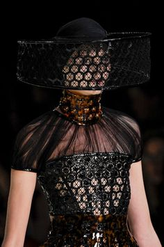 Another interpretation of Quaithe's costume, the masked woman from Ashaii beyond the shadow: Alexander McQueen Spring 2013