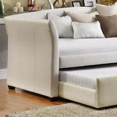 The daybed I want for the second bedroom/office