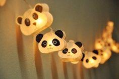 Esta cadena de luces parpadeantes. | 22 Cosas adorables que necesitas si te encantan los pandas