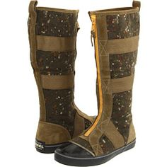 to die for felt boots that zip up the front and fold down halfway to make a gold satin mid-boot... they should be here by the weekend!