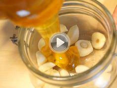Ökoanyu – immunerősítés házilag Ökoanyu pofonegyszerű immunerősítő módszerével kezdd az új évet: fokhagyma mézzel, aztán bújj vissza az ágyba!
