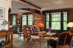 I love the use of wood.  Locust Suite > Abeja