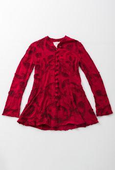 Short swing coat paisley negative reverse carmine 11682 abraham rowe 1 Dottie Angel, Ac2, Swing Coats, Mandarin Collar, Covered Buttons, Alabama, Paisley, Cool Outfits, Burgundy