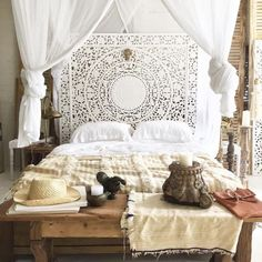 awesome 60 Beautiful Morrocan Bedroom Decorating Ideas https://homedecort.com/2017/05/60-beautiful-morrocan-bedroom-decorating-ideas/
