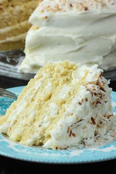 This Coconut Cream Cake really does take the cake. It& perfect for a special occasion. It is moist and so very flavorful. A Loon favorite, for sure! Köstliche Desserts, Dessert Recipes, Delicious Cake Recipes, Best Cake Recipes, Kolaci I Torte, Coconut Recipes, Vegan Recipes, Take The Cake, Let Them Eat Cake