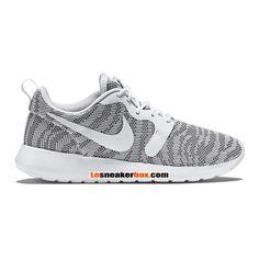 chaussures-nike-sportswear-pas-cher-pour-femme-nike-roshe-one-run-knit-jacquard-gs-gris-705217-003-698.jpg (750×750)