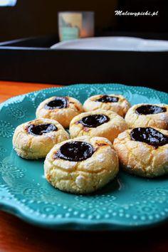 Włoskie ciasteczka #malewypieki #glutenfree #almonds #migdałowe #powidła Doughnut, Muffin, Breakfast, Food, Morning Coffee, Essen, Muffins, Meals, Cupcakes