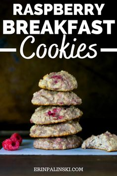These raspberry yogurt breakfast cookies are the perfect way to start your day. It's a healthy breakfast recipe that's kid friendly (but the whole family will love it). Easy Delicious Recipes, Good Healthy Recipes, Healthy Snacks For Kids, Yummy Snacks, Raspberry Breakfast, Yogurt Breakfast, Breakfast Cookie Recipe, Cookie Recipes, Healthy Breakfast Options