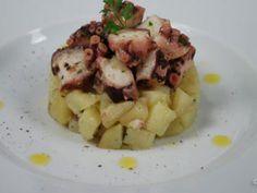 FRESH OCTOPUS SALAD http://www.hotelsinsardegna.org/gourmet/piatti-tipici/antipasti/