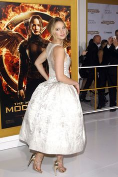 Jennifer Lawrence Rocked a Surprising Silhouette for the Hunger Games: Mockingjay Part 1 Premiere | Vanity Fair