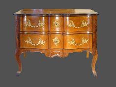 Commode grenobloise d'époque Louis XV