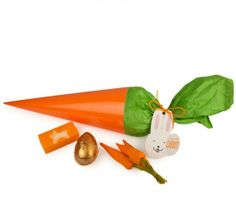 Have an egg-cellent Easter this year with these cracking treats from Lush. Garden Trowel, Garden Tools, Easter This Year, Lush Cosmetics, Hoppy Easter, Birthday List, Carrots, Packaging, Tableware