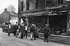 On 11 April tension between police and youths led to Brixton being set aflame. Observer photographer Neil Libbert describes the urgent images he captured Black African American, African American History, British Black History, London History, Old Street, It Goes On, Brixton, The Guardian, London England