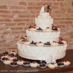 #weddingcupcakes #gazzaniwedding #gazzanicakes