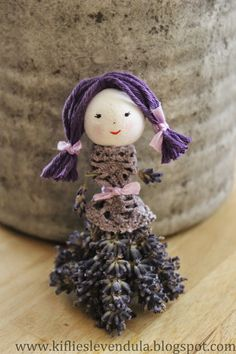 Lavender Girl ~ I love her! Thank you Barbara for taking the time to send this pin to me and thinking of me when you saw it! Lavender Cottage, Lavender Garden, Lavender Bags, Lavender Sachets, Lavender Fields, Lavender Flowers, Lavender Crafts, Arte Floral, Provence