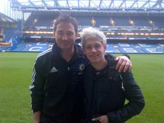 So Niall..I see you like Chelsea football..Ironic, cause my name is Chelsea, and I like football (;