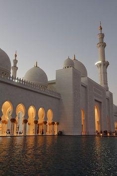 Sheikh Zayed Grand Mosque, Muscat, Oman. #royalcaribbean #arabiangulf