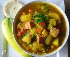 Sopa de Mondongo, is a soup containing tripe with potatoes, peas, carrots, coriander and corn. Honduran Recipes, Mexican Food Recipes, Soup Recipes, Cooking Recipes, Colombian Dishes, Colombian Cuisine, Colombian Recipes, Columbia Food, Tripe Soup
