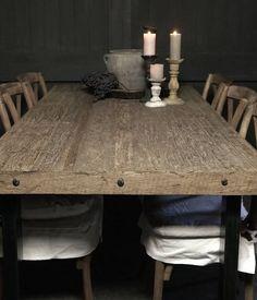 Driftwood eettafel met stoere ijzeren poot