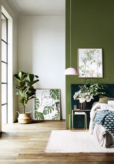 This green wall with a blue-green headboard is pretty. For mom& room? - This green wall with a blue-green headboard is pretty. For mom& room? Bedroom Black, Bedroom Green, Modern Bedroom, Trendy Bedroom, Green Bedroom Design, Bedroom Colors, Gold Bedroom Accents, White And Brown Bedroom, Teal Bedroom Walls