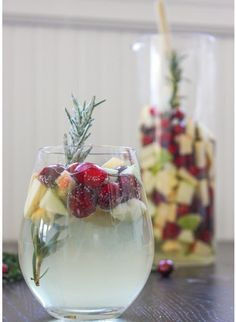 Christmas Sangria recipe and 8 fabulous Holiday Cocktails. Serve delicious holiday drinks this year at the Christmas party! Christmas Cocktails, Holiday Cocktails, White Christmas Sangria Recipe, Thanksgiving Sangria, Christmas Cocktail Party, Halloween Cocktails, Happy Thanksgiving, Fun Drinks, Yummy Drinks