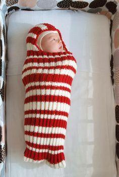 Meidän kodissa eletään nyt vauvantuoksuista hiljaiseloa, ja samanmoisia kiikun narinoita voi kuulla Sakrunkin luona. Pikku pikkuruiset kas...