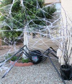 riesenspinne selbermachen schwarz halloween deko ideen design fantasie anregend