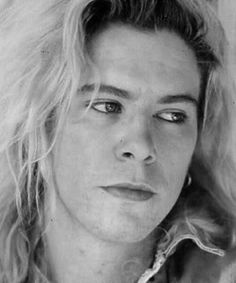 Duff Mckagan young and beautiful:)