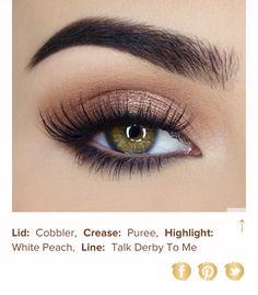 Too faced peach palette. Sexy peach. #eyeshadowsnatural