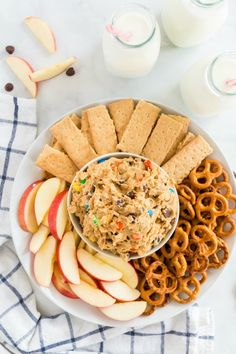 Monster Cookie Dough Dip - Family Fresh Meals Monster Cookie Dough, Cookie Dough Dip, Chocolate Chip Cookie Dough, Sweet Cookies, Yummy Cookies, Yummy Treats, Sweet Treats, Easy Summer Desserts, Easy No Bake Desserts
