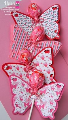 60 amazingly sweet Valentine's Day treats for kids - Hike n Dip . 60 amazingly sweet Valentine's Day treats for kids – Hike n Dip Valentines Day Treats, Valentines Day Decorations, Valentines For Kids, Valentine Day Crafts, Holiday Crafts, Homemade Valentines, Valentine Ideas, Butterfly Gifts, Butterfly Party
