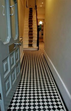 30s hallway