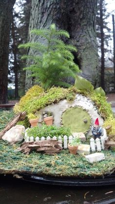 Gnome home / Hobbit House by The Enchanted Acorn - Fairy Gardens & Gifts. htp://enchantedacorn.com