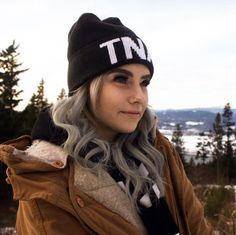 #travel #travelcanada #outdoors #nature #pnw #travelbc #bccanada #vancouver #vancouvercanada #northwestisbest #themodernvoyage #thatpnwlife #thegreatpnw #exploremore #roamtheplanet #vancity #stayandwander #visualsoflife #thevisualscollective #lostfam #getoutstayout ##thepwadventure #skiing #snow #mountains #girl #cute #fashion #tna #style #ootd #blonde #makeup #pretty #hair