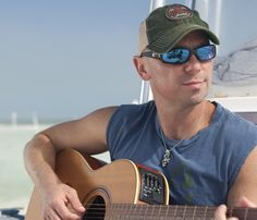 Music superstar Kenny Chesney announced today he has partnered with Costa to design his first line of signature sunglasses. Male Country Singers, Country Music Artists, Country Music Stars, Kenney Chesney, No Shoes Nation, Kenny Loggins, Country Men, Tim Mcgraw, Dream Guy