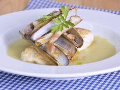 Receta | Lomo de merluza con crema de borrajas - canalcocina.es