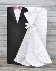 Para o seu presente de casamento ficar ainda mais especial, incremente-o com um lindo cartão para noivos, composto com os trajes tradicionais dos noivos.