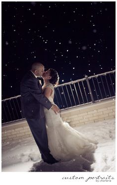 Bride And Groom Take Wedding Photos In Front Of Roberto Clemente Bridge Pittsburgh Photographers Weddings By Alisa Pinterest