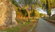 Una de las vías más importante de la antigua Roma, Appia Antica  #instadaily #instagood #photooftheday #bestoftheday #happy #tourism #world #smile #mundo #sky #thebestphoto #visiting #amazing #mytravelgram #picoftheday #beautiful  #traveling #nomad #VivimosdeViaje #Italia #Italy #Lazio #Rome #Roma #AppiaAntica
