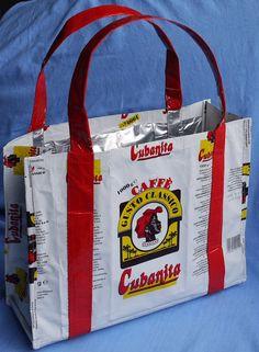 Aluminium-Tasche Cubanita aus italienischen Kaffeetüten von Aluwear