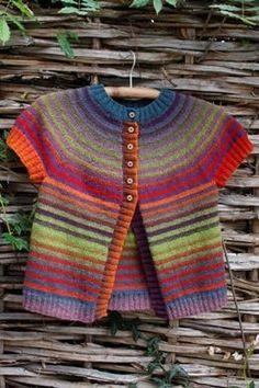 Scandinavian Knitting Design – lanas online ……… made to order so this is g…, – Kindermode sommer Knitting Wool, Knitting For Kids, Baby Knitting Patterns, Knitting Designs, Baby Patterns, Knit Or Crochet, Baby Sweaters, Kind Mode, Lana