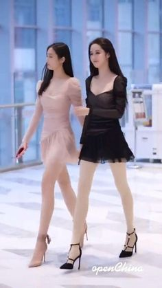 在 MSNT 发现我们种类繁多的女士连衣裙。 在网上或实体店购买一些英国最受欢迎的产品。 #漂亮的女士连衣裙 #女装 #女装在线 #下一条裙子 #连衣裙 #着装英国 #时尚 #街头时尚 #风格 #fyp #好身材 #为你 #抗击新冠病毒19 Full Body Shaper, Hot Japanese Girls, Asian Model Girl, Cute Korean Girl, Erotic Photography, Classy Women, Beautiful Legs, Asian Beauty, Womens Fashion