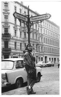 """DDR Museum - Museum: Objektdatenbank - Foto """"Berlin, Husemannstraße""""     Copyright: DDR Museum, Berlin. Eine kommerzielle Nutzung des Bildes ist nicht erlaubt, but feel free to repin it!"""
