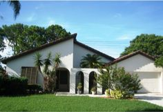 Come see me in The Meadows! Open House 2969 Heather Bow, Sarasota on Sunday, 11/22/15, from 1pm - 4pm. This charming home is waiting for you! The floor plan includes 2 bedrooms and a den or 3 bedrooms, 2 baths, a large kitchen and great room. A generous master suite includes space for a desk or reading nook, walk-in closet, double sink vanity. Short distance from University Parkway with the new UTC mall and a myriad of other shopping and dining.
