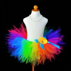 I love Tutus! Rainbow tutu with a flower and bow. Rainbow Tutu, Rainbow Birthday, Birthday Tutu, Rainbow Dash, Rainbow Colors, Bright Colors, Rainbow Pride, Colours, Toddler Tutu